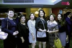 Foto Grupal de Mujer y Sociedad con Zoila Hernández
