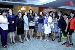Foto Grupal de Mujer y Sociedad con Zoila Hernández y Josefina Hinojosa