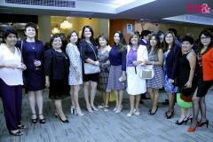 Foto Grupal de Mujer y Sociedad con Zoila Hernández y Josefina Hinojosa en la celebración del Aniversario 131 de la CCL