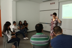 Carla Tamagno exponiendo sobre el empoderamiento de la mujer