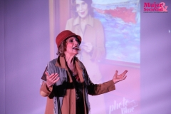 Elena Pasapera interpretando a Virginia Woolf.