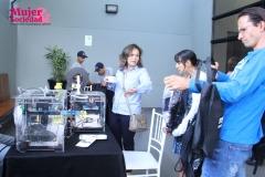 Roxana Rivero explicando la importancia de la impresión 3D